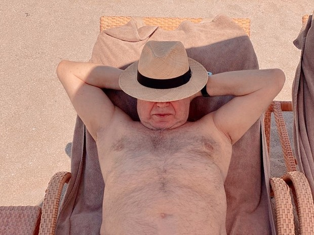 Фото №2 - 74-летний Евгений Петросян показал обнаженное тело на пляже