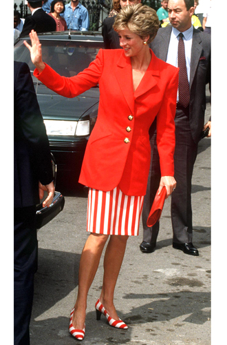 Фото №58 - 60 красных нарядов: как принцесса Диана носила любимый цвет
