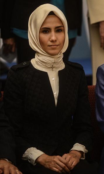 Фото №11 - Как одеваются дочери президентов: от сестер Алиевых до Айшат Кадыровой
