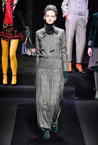 Фото №11 - Мех, нейлон и латекс: женщина-2018 глазами дизайнеров Недели мужской моды в Милане