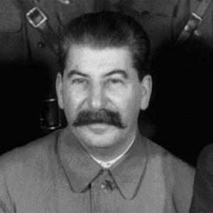 Фото №1 - Сталина начали забывать