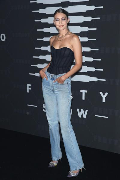 Фото №3 - Какие бывают джинсы и как выбрать идеальную модель 👖