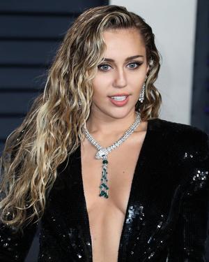 лучшие прически женские 2020 фото на тонкие волосы для длинных волос