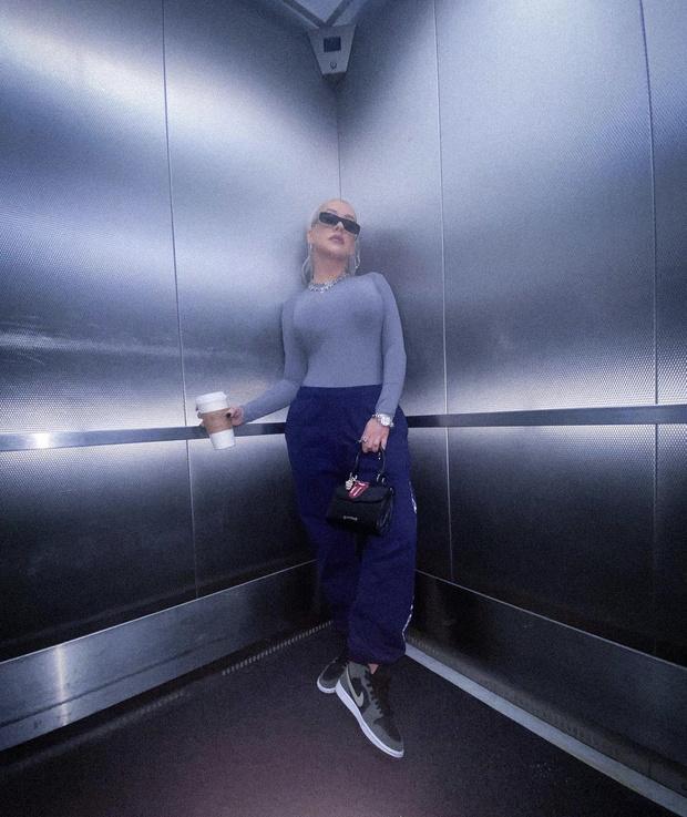 Фото №2 - Боди «вторая кожа», которое визуально увеличивает грудь на два размера— у Кристины Агилеры