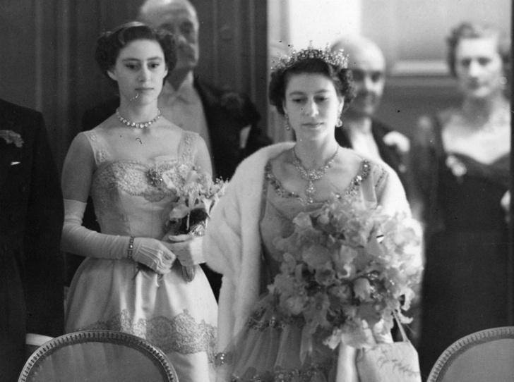 Фото №1 - Мечта Маргарет: какой привилегии Королевы завидовала ее младшая сестра