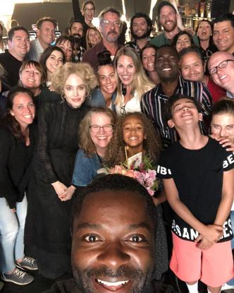 Сможете найти Джоли на фото?