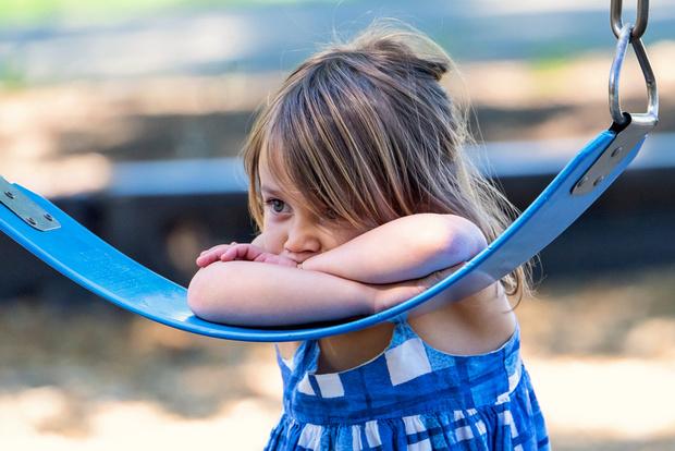 Фото №2 - Не надо стесняться: 10 эффективных упражнений для застенчивых малышей
