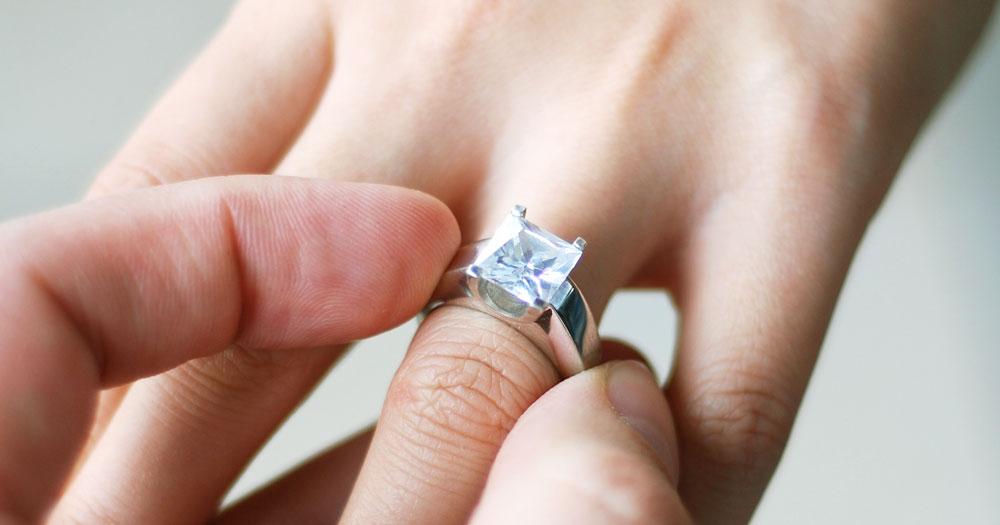 Как ухаживать за кольцом с бриллиантами