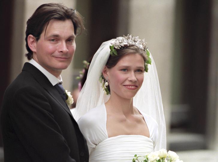 Фото №1 - «Эльфийская» свадьба: как выходила замуж единственная племянница Королевы