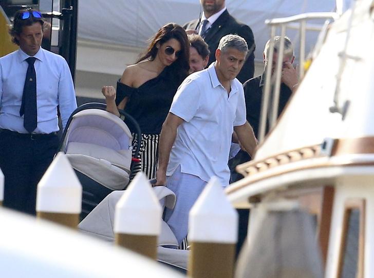 Фото №2 - Бейонсе, Клуни, Гримальди и еще 12 звездных родителей, воспитывающих двойню