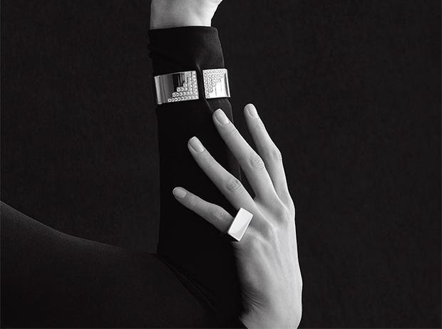 Фото №3 - Ароматерапия, серебро и еще 3 способа защитить кожу от стресса