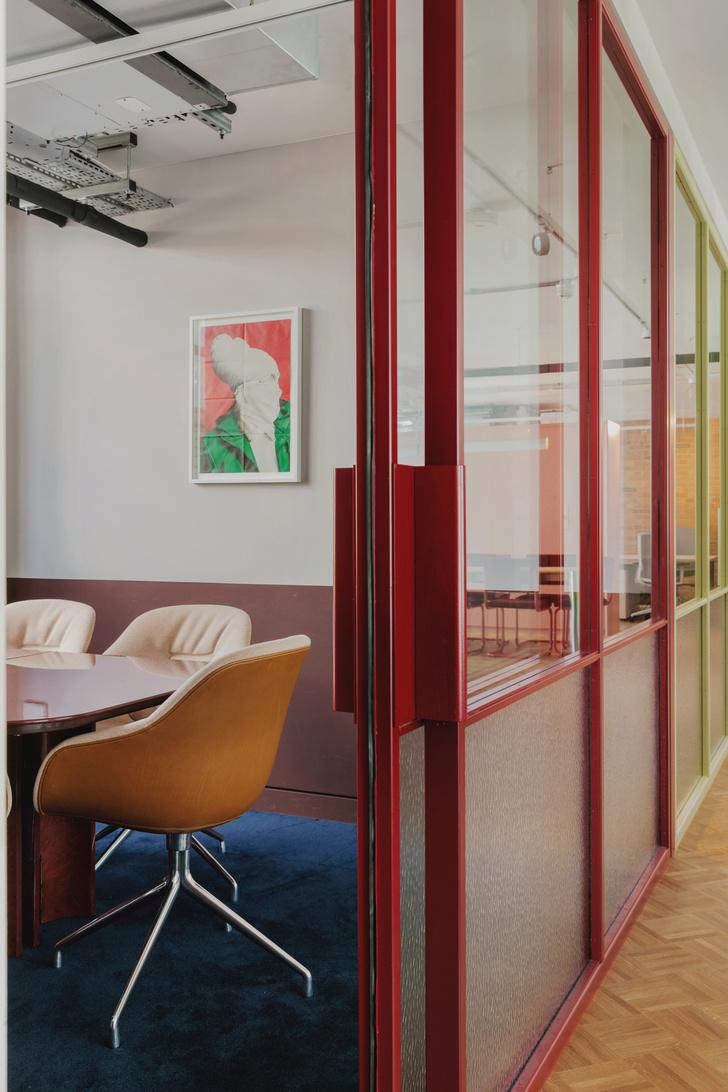 Фото №8 - Яркий офис в стиле mid-century в Лондоне