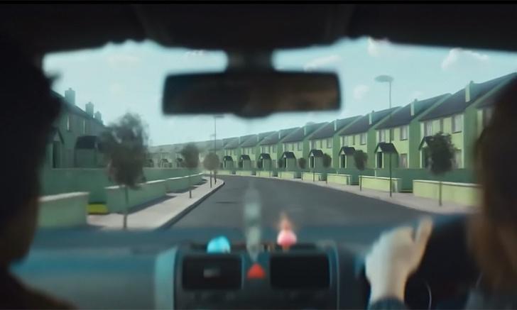 Фото №1 - Жуткий загородный рай в трейлере фантастического фильма «Вивариум»