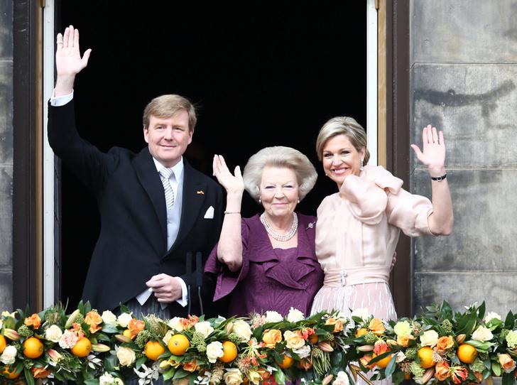 Фото №9 - Короли на пенсии: 8 монархов, которые отреклись в пользу детей