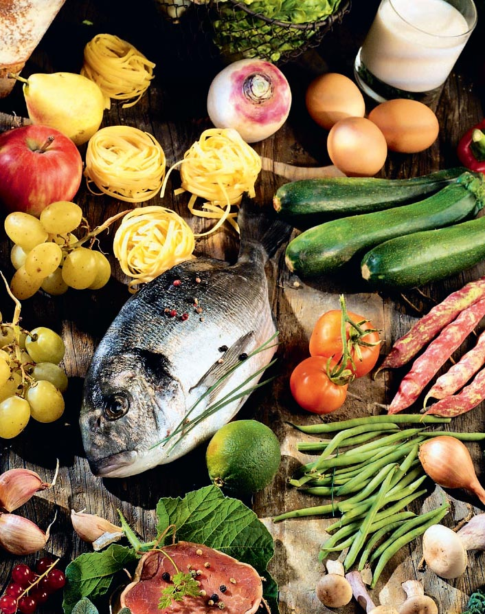 Фото №1 - Бабушка надвое сажала: 10 неожиданных фактов о витаминах