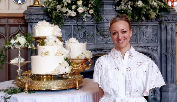 Фото №1 - 200 лимонов, 500 яиц и 5 дней работы: команда кондитеров вспомнила, как создавала торт для свадьбы Гарри и Меган