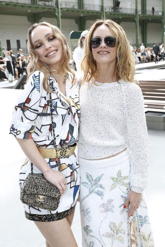 Фото №21 - Стиль по наследству: как одеваются самые модные мамы и дочери