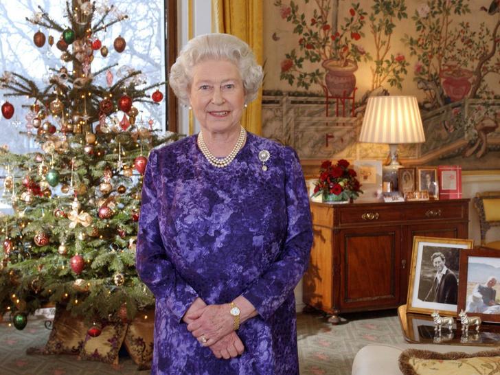Фото №2 - Важная рождественская традиция, которую Королеве придется нарушить в этом году