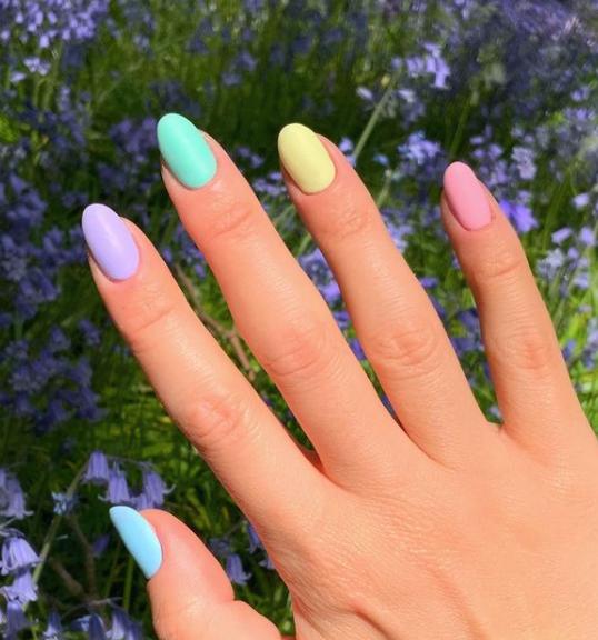 Фото №7 - Пастельный маникюр для коротких ногтей: самые трендовые идеи