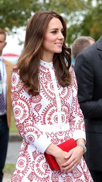 Фото №7 - Любимый бренд: самые роскошные выходы герцогини Кейт в Alexander McQueen