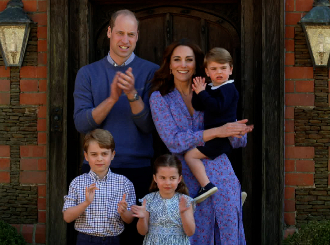 Фото №21 - Королева Zoom: как герцогиня Кейт одевается на карантине