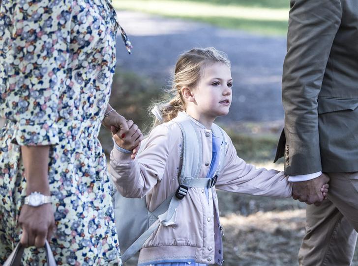 Фото №1 - Как принцесса Эстель провела свой первый день в школе