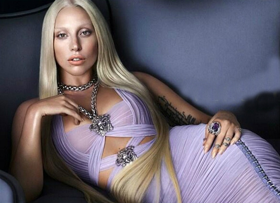Фото №1 - Леди Гага подтвердила участие в кампании Versace