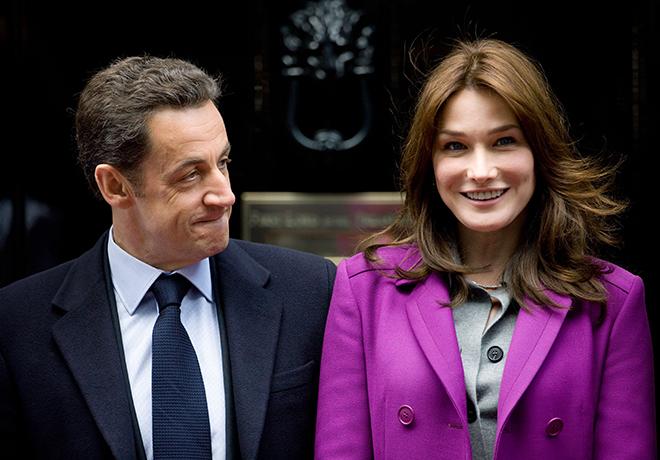 Фото №1 - Очаровать президента с первого взгляда: все о любви Саркози и Бруни