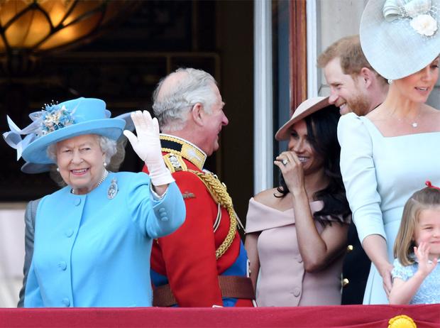 Фото №8 - Насколько герцогиня Меган уже сблизилась с королевской семьей