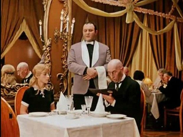 Фото №1 - Ресторан оштрафовали на 62 тысячи долларов за «женское меню» без цен