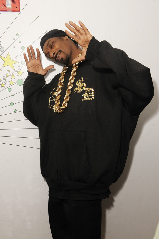 Фото №4 - Золотые цепи, цветные шубы и спортивные костюмы: Снуп Догг и его лучшие образы