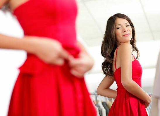 Фото №1 - Навыпуск: выбираем платье на выпускной бал