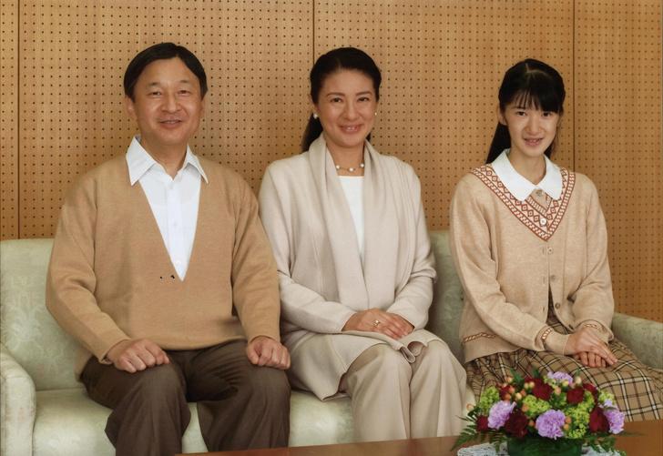 Фото №7 - Неврозы, анорексия, нелюбовь: как живет принцесса Айко, японская «царевна Несмеяна»