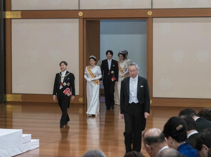 Фото №2 - Начало эры Рейва: как прошла церемония наследования престола в Японии