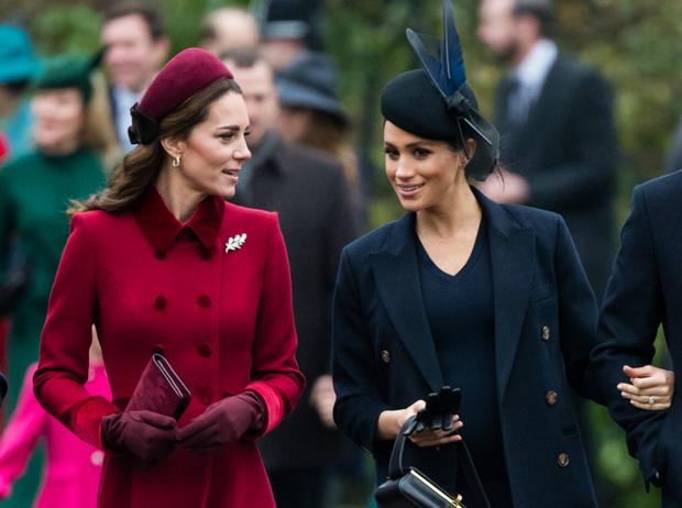 Фото №1 - Как британцы относятся к герцогиням Меган и Кейт (на самом деле)