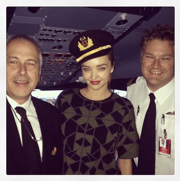 Фото №16 - Звездный Instagram: Знаменитости и самолеты
