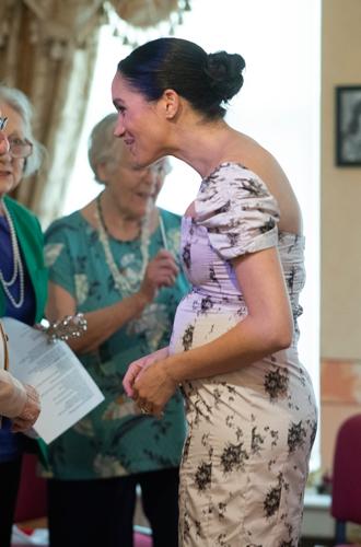 Фото №8 - Новый тур Гарри и Меган – угроза здоровью герцогини или ее репутации?