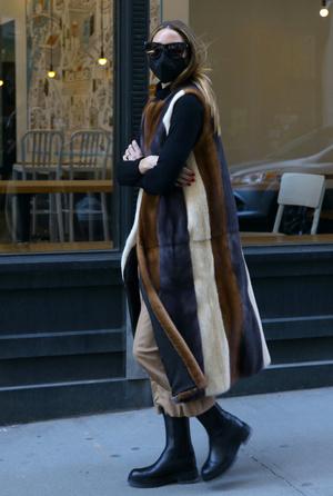 Фото №3 - Идеальная верхняя одежда для межсезонья: показывает стилист Оливия Палермо