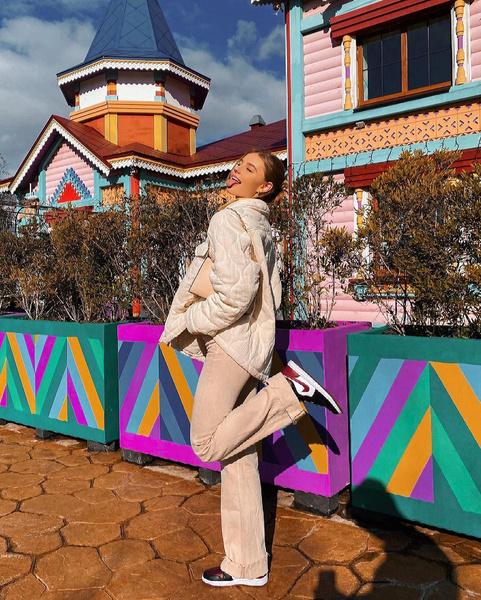 Фото №1 - Лиза Василенко рассказала об отношениях с Володей XXL