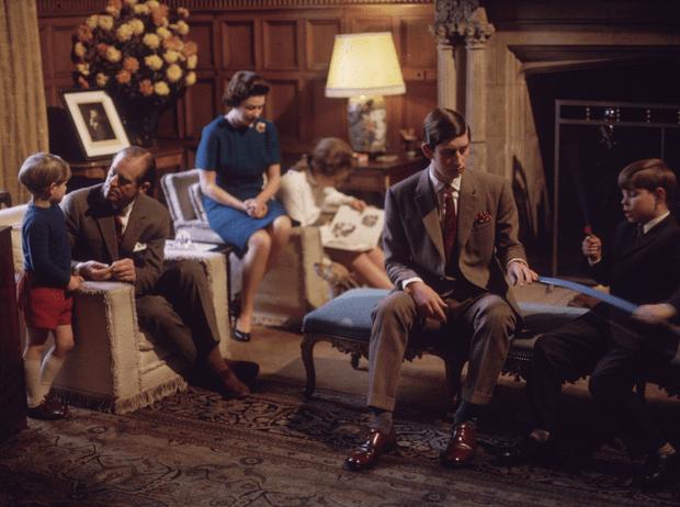 Фото №2 - Почему королева Елизавета II запретила документальный фильм о БКС