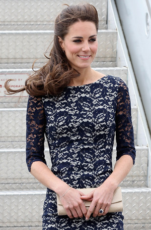Фото №42 - Королевский дресс-код: любимые сумки герцогини Кембриджской