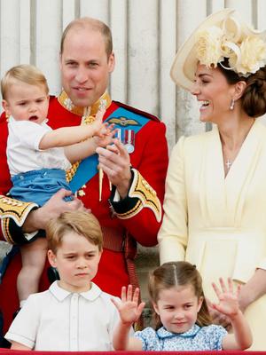 Фото №2 - Просто мама или будущая королева: какая роль комфортнее для герцогини Кейт (и почему)
