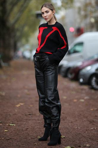 Фото №6 - От алого до бордо: как носить красный цвет повседневно