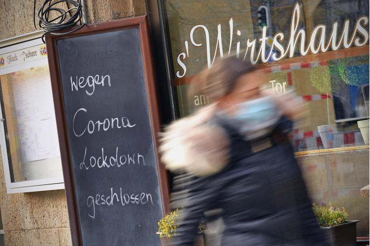 Фото №1 - Подсчитано, как посещение ресторанов влияет на распространение Covid-19
