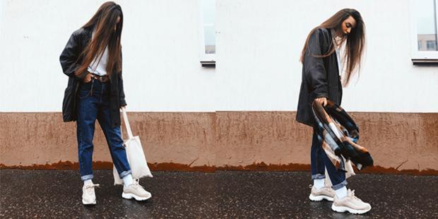 Куртка: винтаж, джинсы: Topshop, носки: St.Friday Socks, водолазка: Heartburn, шарф и ремень: Bershka, кросы: Reebok