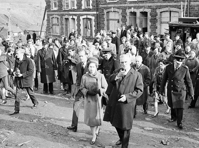 Фото №5 - Смутное время: как королевская семья справлялась с кризисом в 1960-е и 1970-е годы