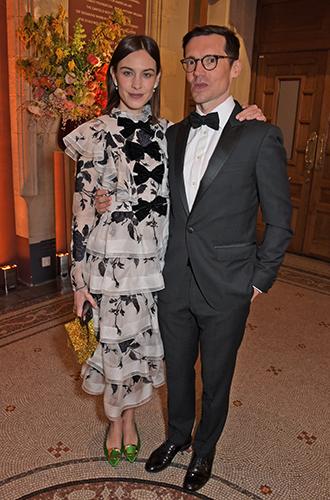 Фото №9 - Герцогиня Кэтрин, принцесса Беатрис, Виктория Бекхэм и другие звезды на гала-вечере в Лондоне
