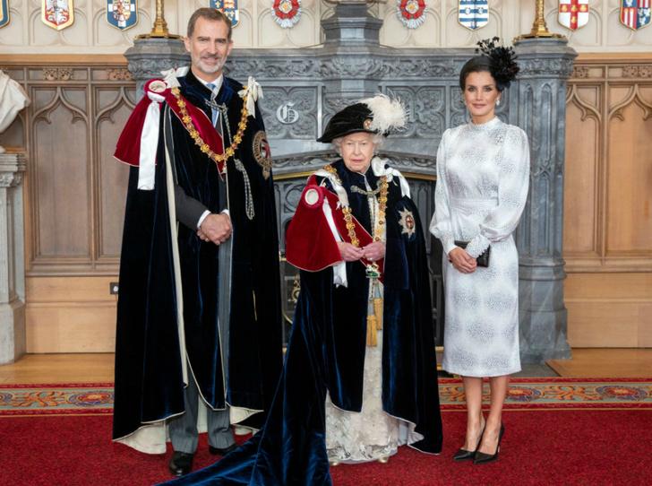 Фото №4 - Елизавета II посвятила в рыцари ордена Подвязки короля Нидерландов и короля Испании