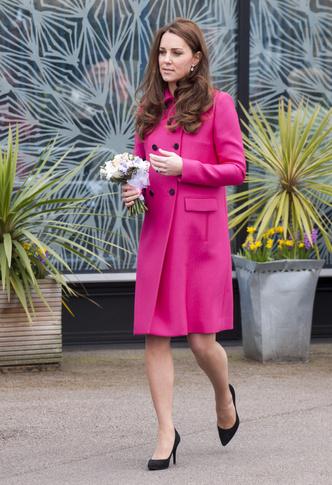 Фото №33 - Стильное положение: как одеваются беременные королевы, принцессы и герцогини