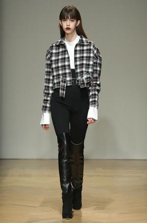 Фото №59 - И в тренде, и в офисе: 7 самых модных идей одежды для работы